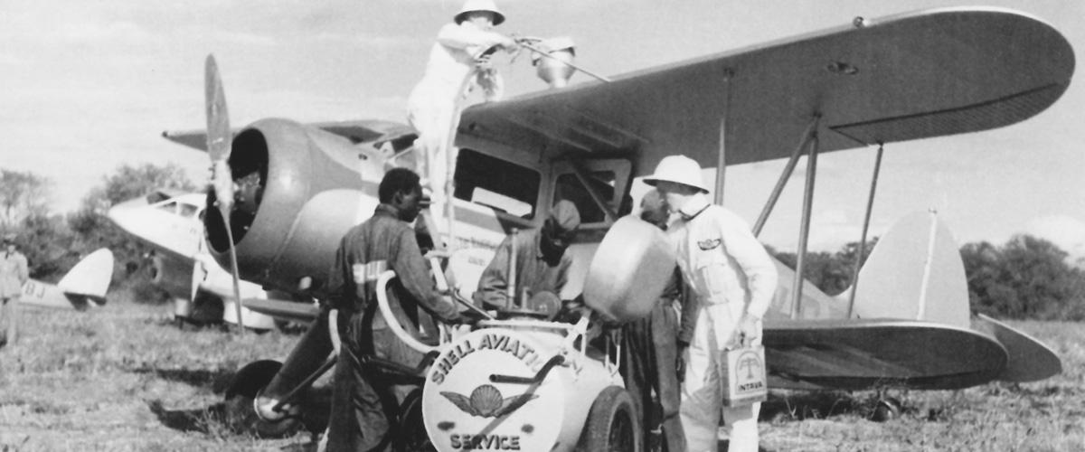 Aircraft refuelling at Salisbury
